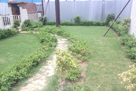 shri radha aqua garden