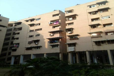 Capital Apartment in Vasundhara Enclave | Price Rs 1.5 Cr ...
