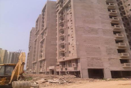 Rent 3 BHK Flat/Apartment in Unitech Fresco Action Area 3, Kolkata