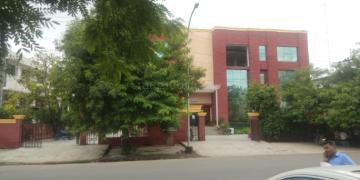 Industrial Building for Sale in Noida | MagicBricks
