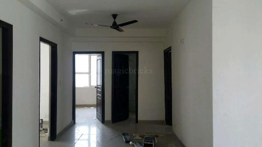 Rent 2 BHK Flat/Apartment in Logix Blossom Greens Sector